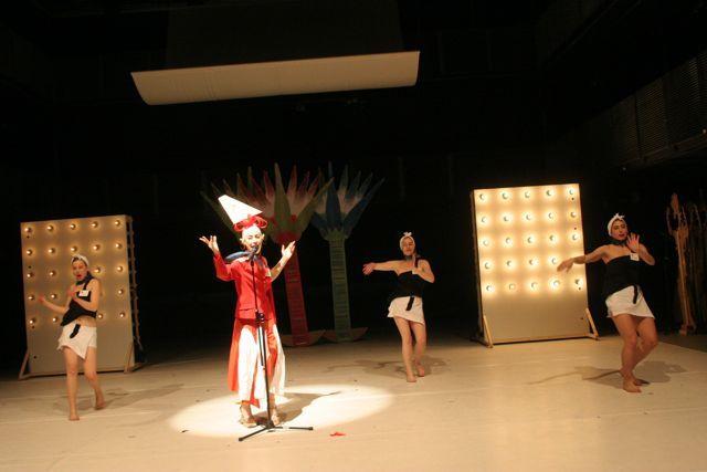 2006 02 07 tutti frutti, dietheater künstlerhaus (67)